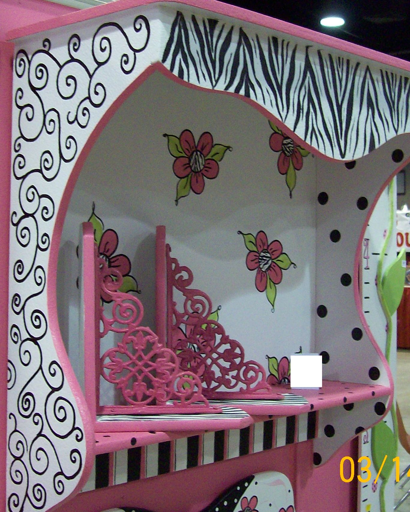 Hot pink room decor images for Decoration zebre